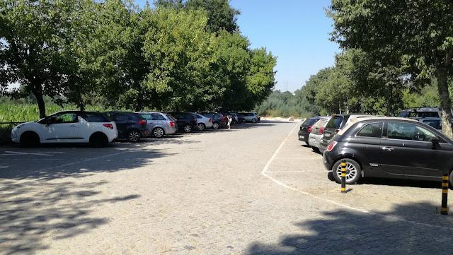 Parque estacionamento  Praia Fluvial de Adaúfe