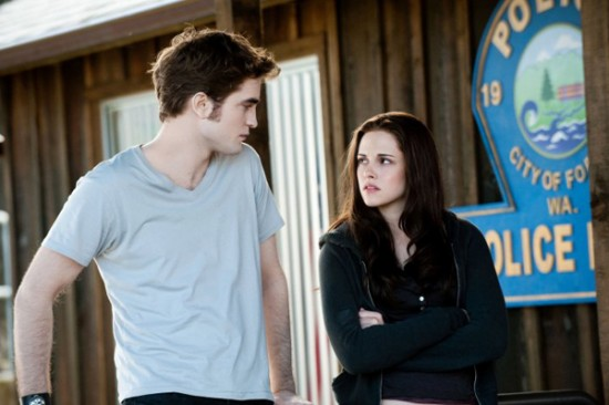 Edward and Bella at the police station in Twilight Saga: Eclipse 2010 movieloversreviews.filminspector.com