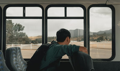 Sedang dalam Perjalanan? Berikut Panduan Cara Sholat di Kereta