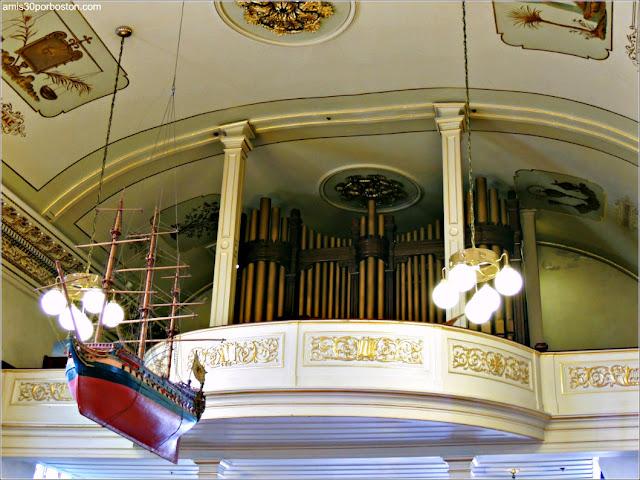 Maqueta del Barco Breze en la Iglesia de Nuestra Señora de las Victorias, Quebec