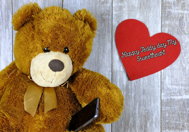 Happy Teddy Day wallpaper
