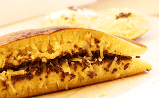 cara membuat martabak manis dengan teflon-resep enak lezat