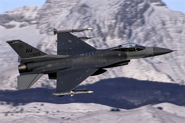 F-16 United States Air Force
