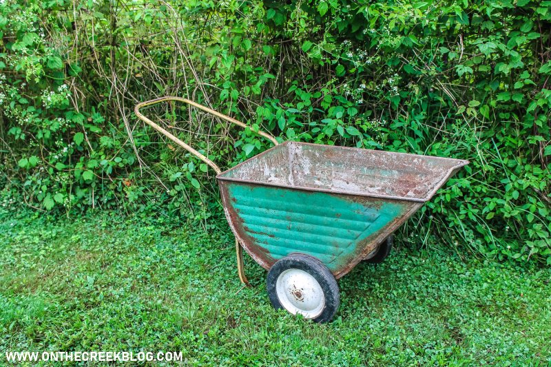 Vintage lawn cart | Thrifting Finds! | On The Creek Blog