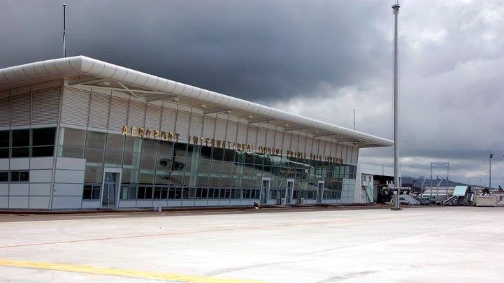 مطار موروني الأمير سعيد إبراهيم الدولي Prince Said Ibrahim International Airport