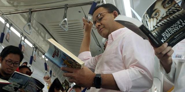 Literasi Warga Meningkat, Anies Daftarkan DKI Jadi Kota Buku Dunia