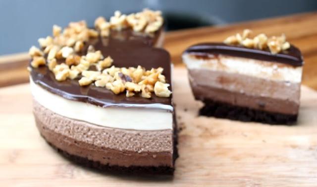 No Bake Layered Chocolate Cheesecake with Oreo Crust #cake #desserts