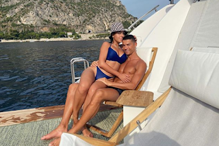 Cristiano Ronaldo & Georgina Rodriguez Sensational Pics on £5.5m on new luxury yacht, Pictures Gallery.