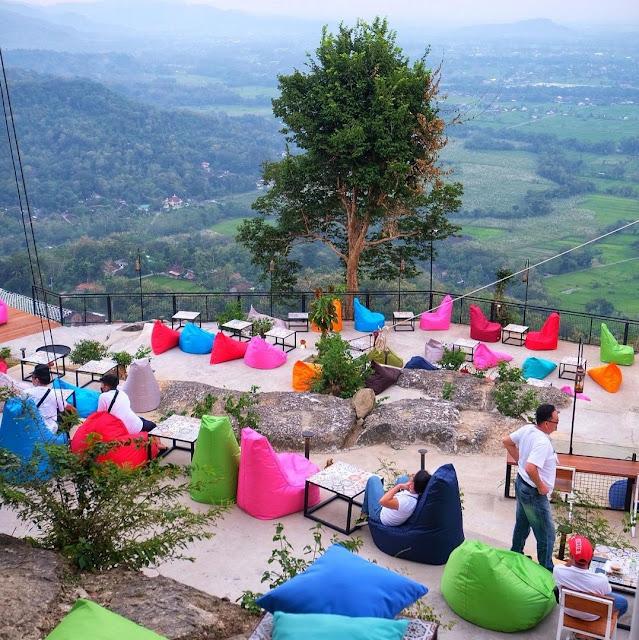 Lokasi dan Harga Tiket Masuk Obelix Hills Sunset View Jogja