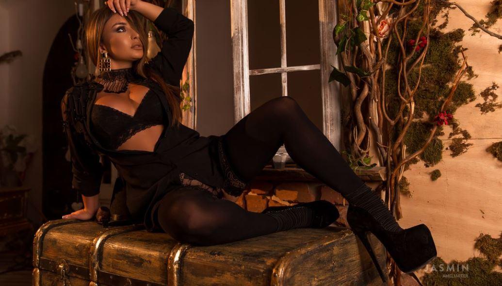 AmeliaReea Model GlamourCams