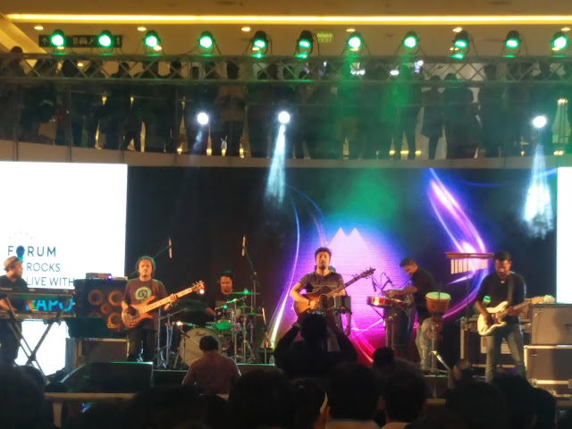Angaraag Mahanta, better known as Papon along with his band enchanted the music lovers of Hyderabad with his performance at Forum Sujana Mall