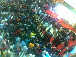 masss response for surya at kochi lulu mall pics