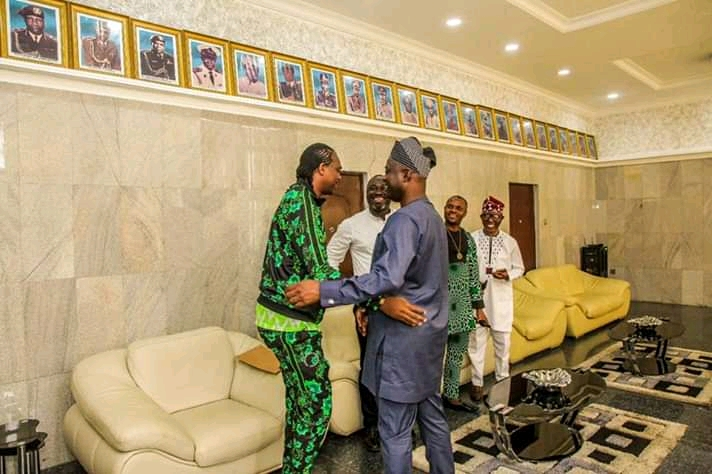 Ex Supper Eagles Player, Kanu Nwankwo Meets With Governor Seyi Makinde, Talk Directions To Take State-owned Football Clubs3