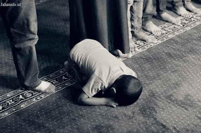 islam adalah agama yang diridhai oleh ALLAH SWT karena satu satunya