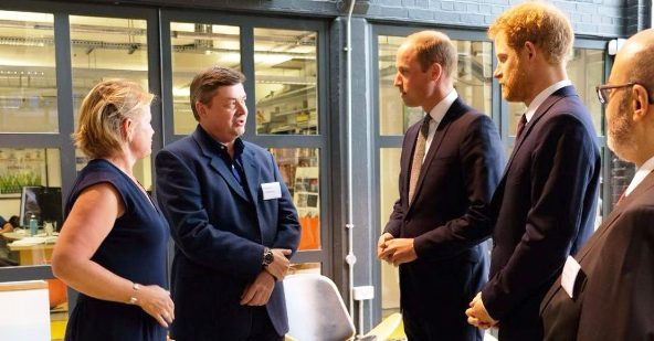 Princes William and Harry offer comfort to Grenfell tower fire survivors