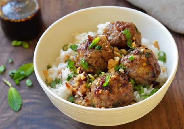 Thai Basil Chicken Meatballs #keto #lowcarb