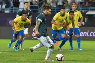 Brasil perde da Argentina, com gol de Messi, e amarga quinto jogo sem vencer