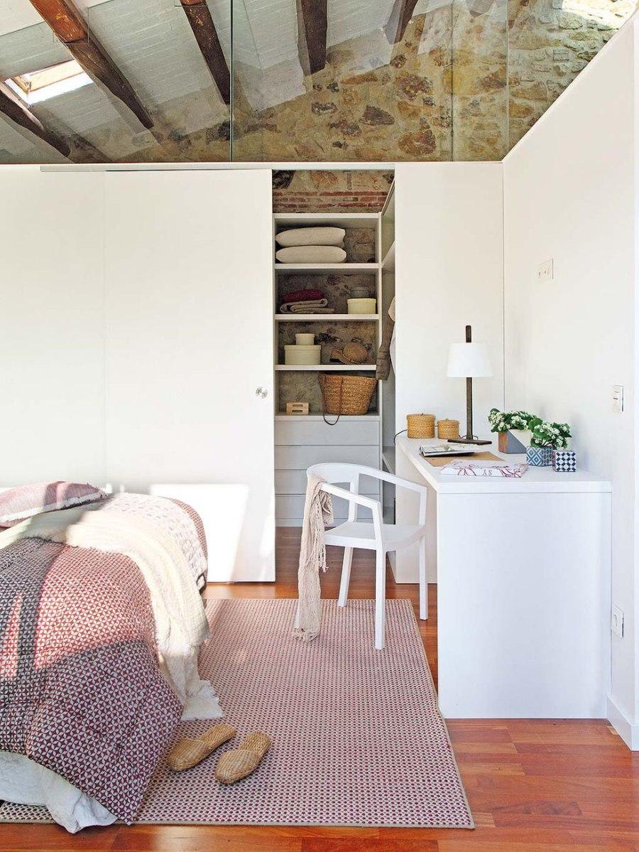 Moderna casa di campagna da un vecchio fienile