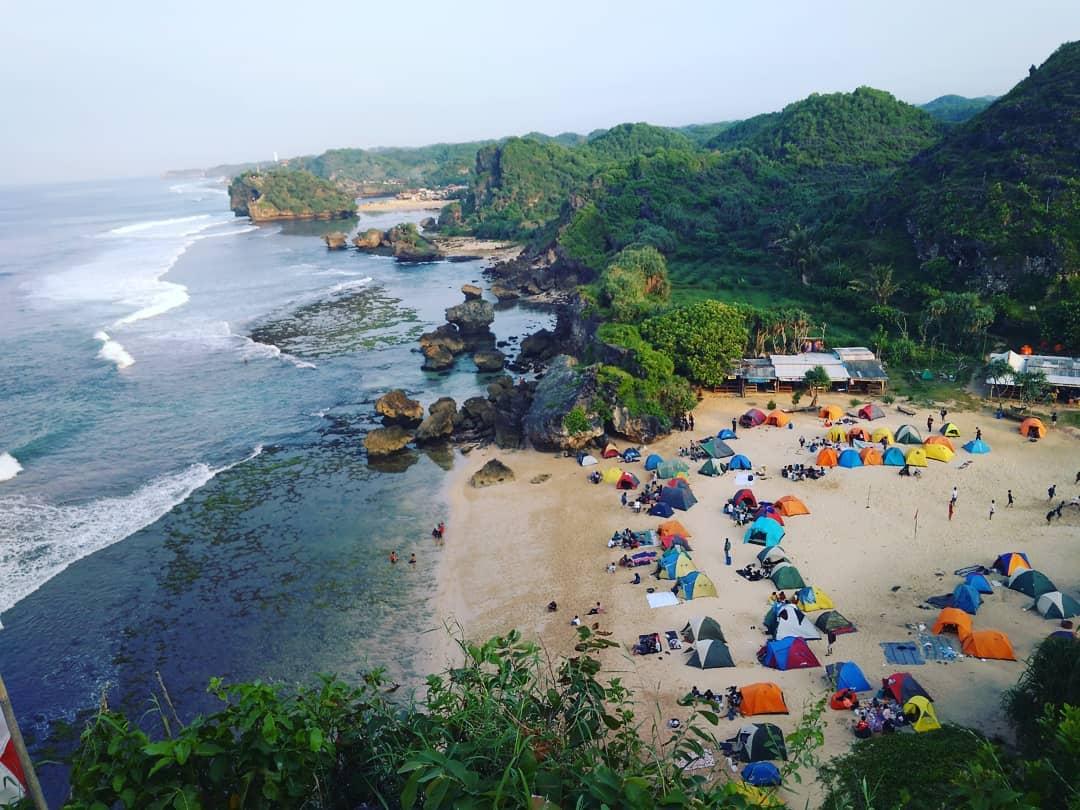 Camping di Pantai Jogja