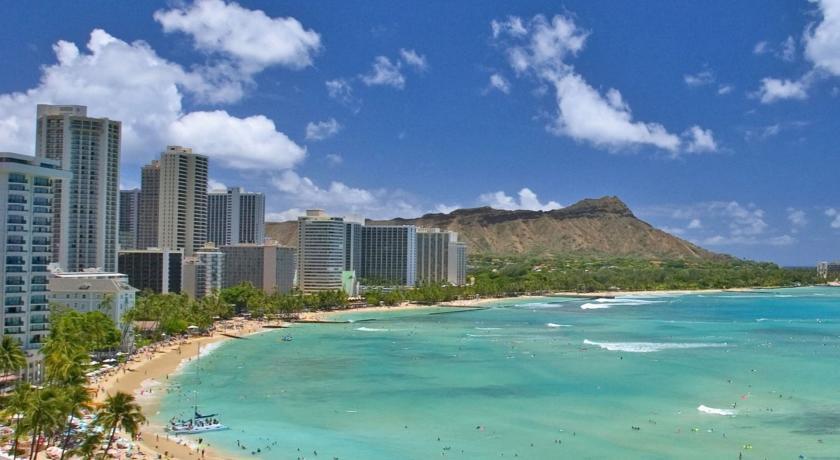 Waikiki beach hi webcam