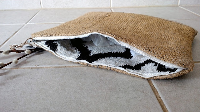 Pure Simple Burlap Zipper Pouch - handmade in Plymouth MI - upcycled - linaandvi.etsy.com