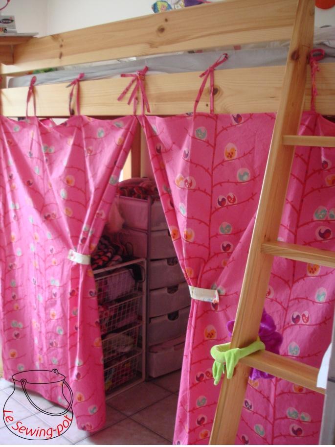 le sewing pot rideaux de lit. Black Bedroom Furniture Sets. Home Design Ideas