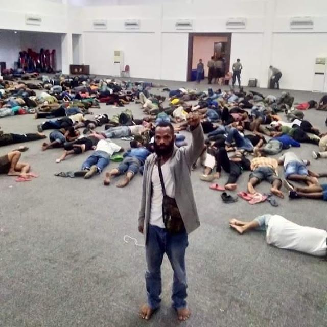 233 Mahasiswa Papua Dibebaskan, Harus Tinggalkan Surabaya