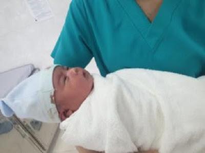 Sinh sớm 3 tuần, bé trai vẫn có trọng lượng lớn nhất từ trước đến nay ở Quảng Ngãi