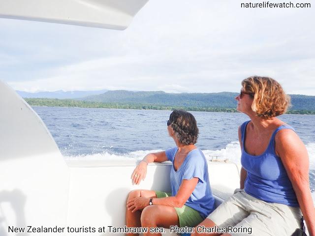 Wisatawan Selandia Baru di laut Papua Barat