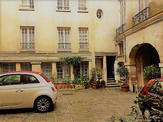 PARKING RUE AUBRIOT PARIS 75004