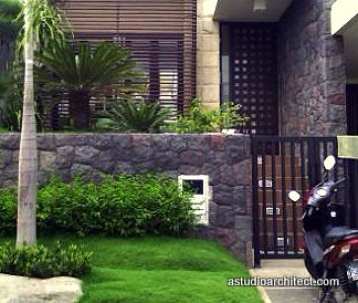 contoh rumah minimalis pakai batu alam