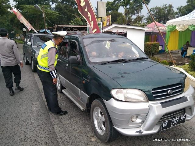 Tidak Miliki Surat Izin Keluar Masuk, 4 Mobil Diminta Putar Balik Arah
