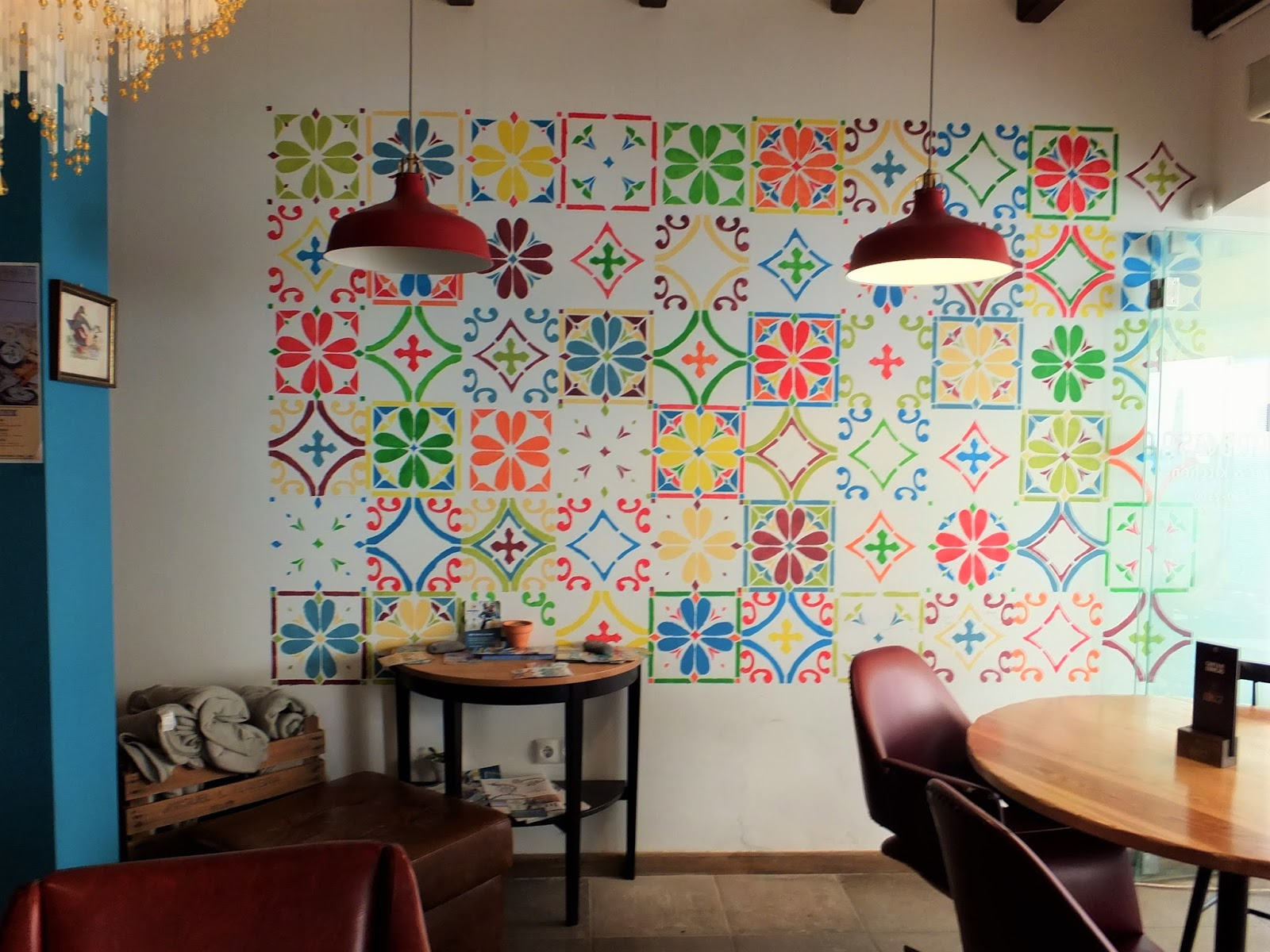 Barbosa-Bar-Patterned-Wall
