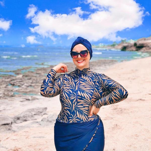 Woman Plus Size Body is Pretty Wear Swimsuit From Lyra