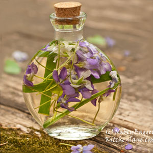 Beautiful Violet Herb Vinegars Easy Spectacular Gifts