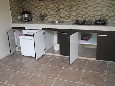 Desain kitchen Set HPL Hitam Putih + Furniture Semarang