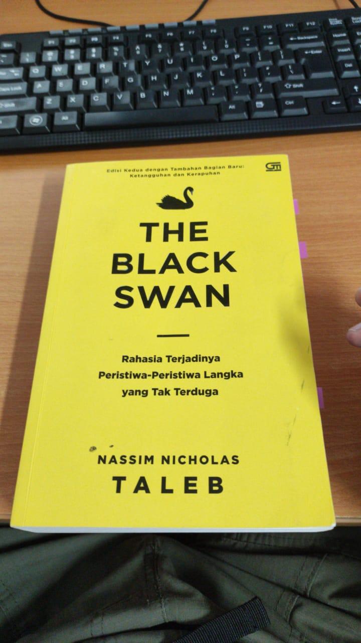 Buku The Black Swan