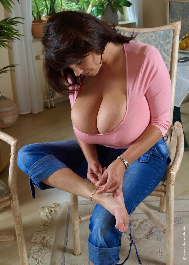 Mature Busty Nude Women