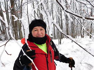 Zima panująca na Magurze Wątkowskiej olśniewa.