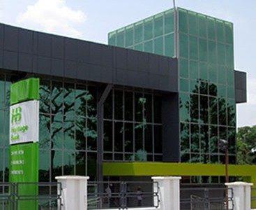 Embattled Heritage Bank sacks 400 workers