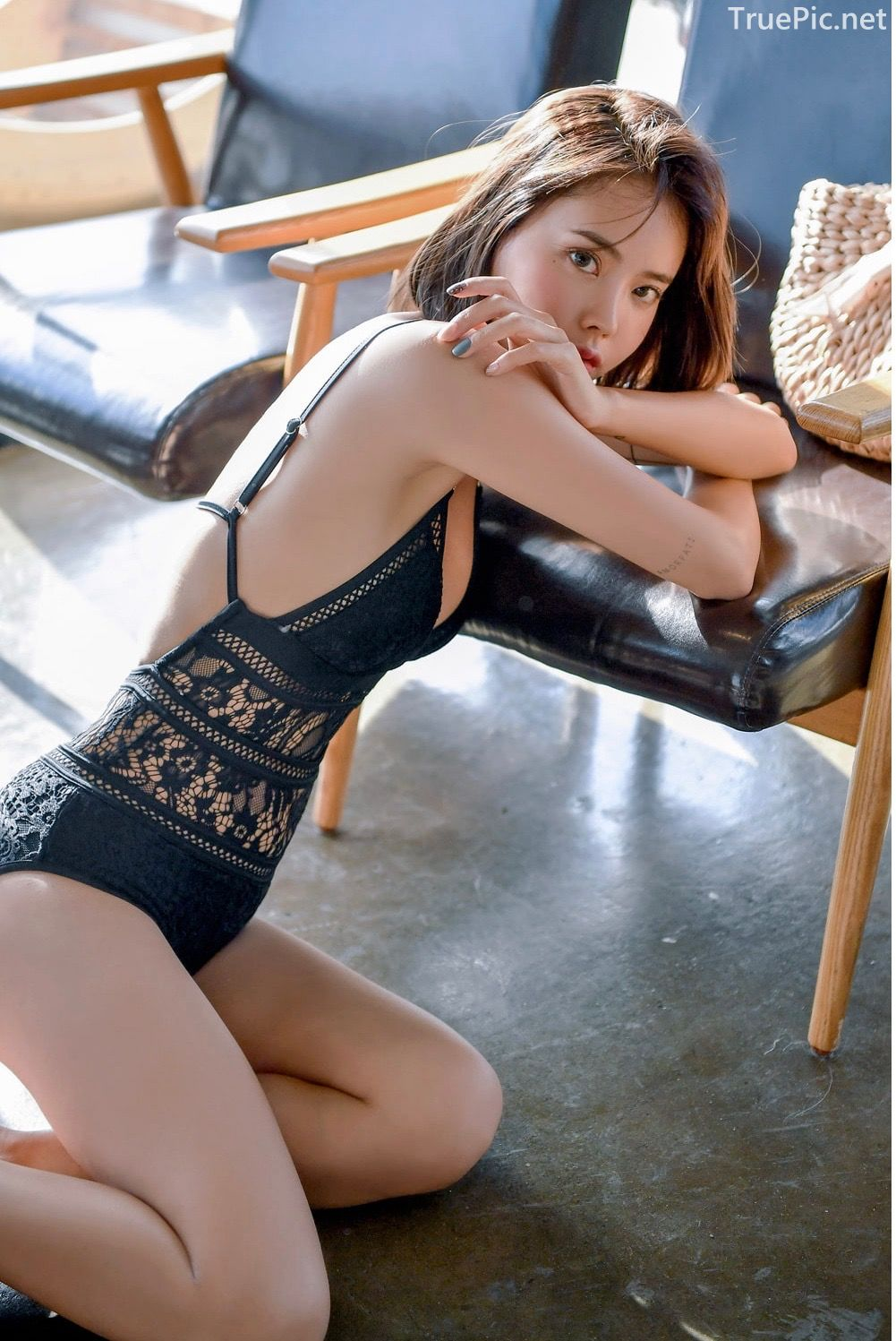 Korean hot model and fashion - Song Yi - Black and White Swimsuit for Summer Vacation - Picture 7