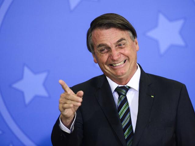 Bolsonaro libera R$ 4,8 milhões para pesquisa sobre covid