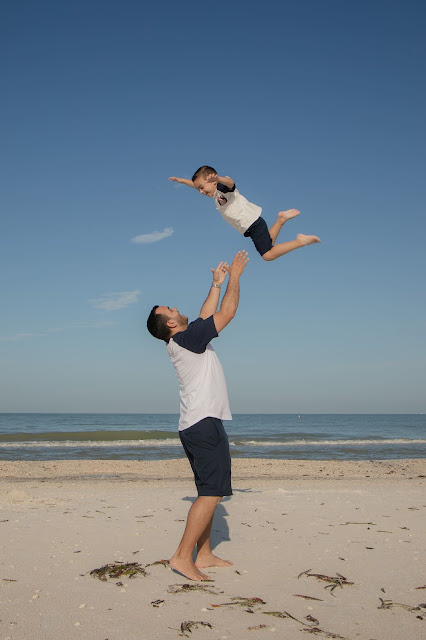 Family pictures on Fort Myers Beach