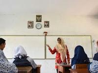 Mulai Digaji Dari 100ribu Sebulan, Tahun 2017 Guru Ini Dapat 50 Juta