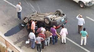 انقلاب سيارة ملاكى وإصابة 5 أشخاص بسوهاج.