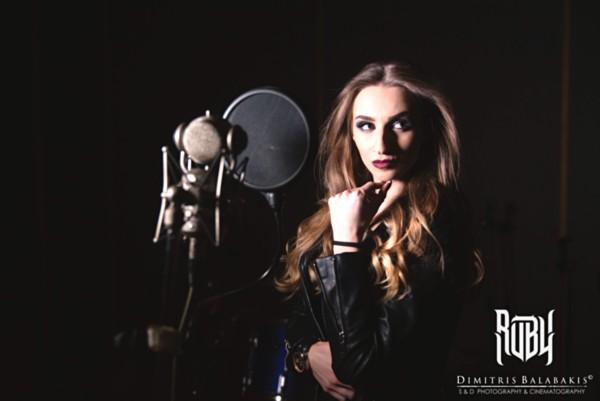 "RUBY BOUZIOTI: Νέο video για την διασκευή της στο ""My lost Lenore"" των Tristania"