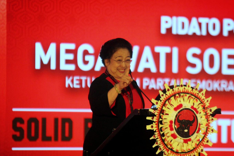 Bendera PDIP Dibakar, Ini Instruksi Megawati Kepada Kadernya