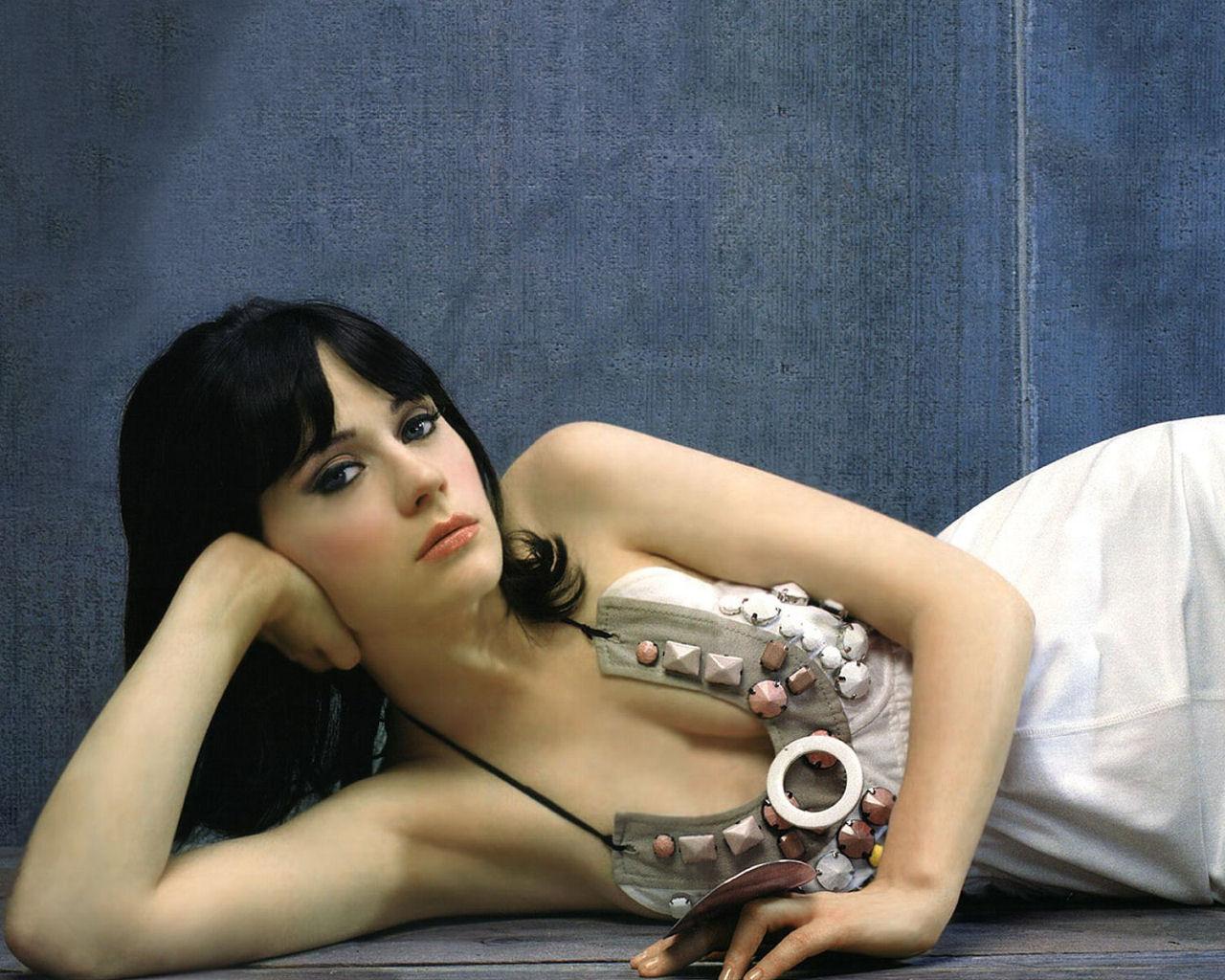 Zooey Deschanel | Actress Hot Photos 2012 | Hollywood