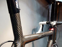 Manakah Bahan Frame Sepeda Paling Bagus? Chromoly, Titanium, Carbon Fiber, Aluminium, atau Hi-Ten?