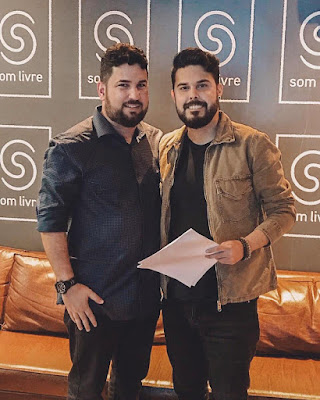 Kart Love assina contrato com a Som Livre no Rio de Janeiro